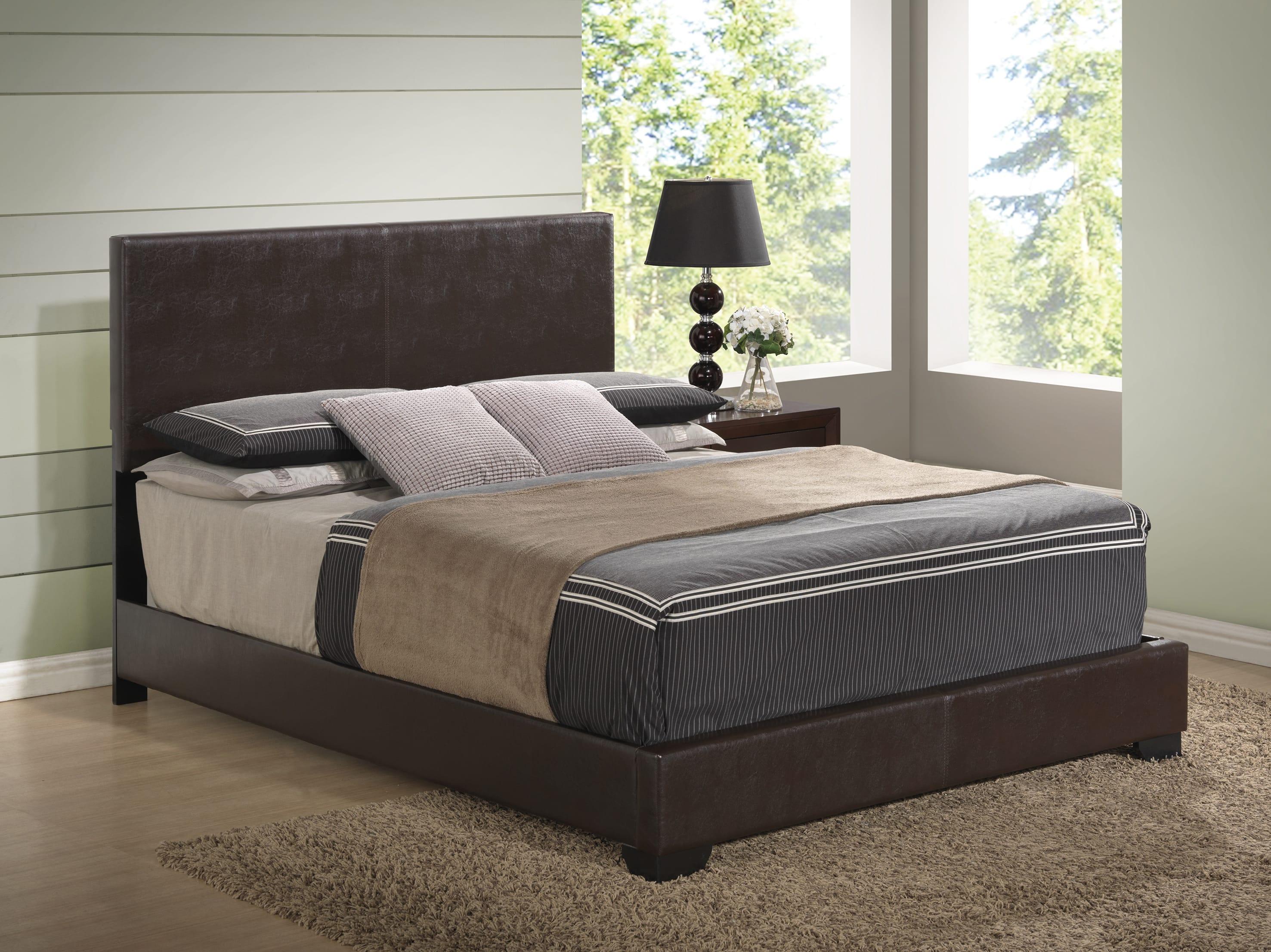 Rosa Antique Black Bedroom Set (w/8103 Brown PU Bed) by Global Furniture