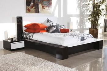 B850 Piroska Black White Bedroom Set Signature Design By