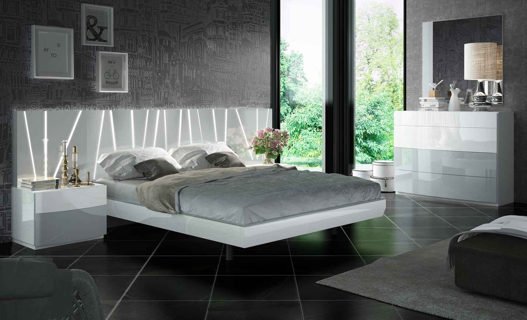 Ronda Salvador White Gray Bedroom Set By Esf