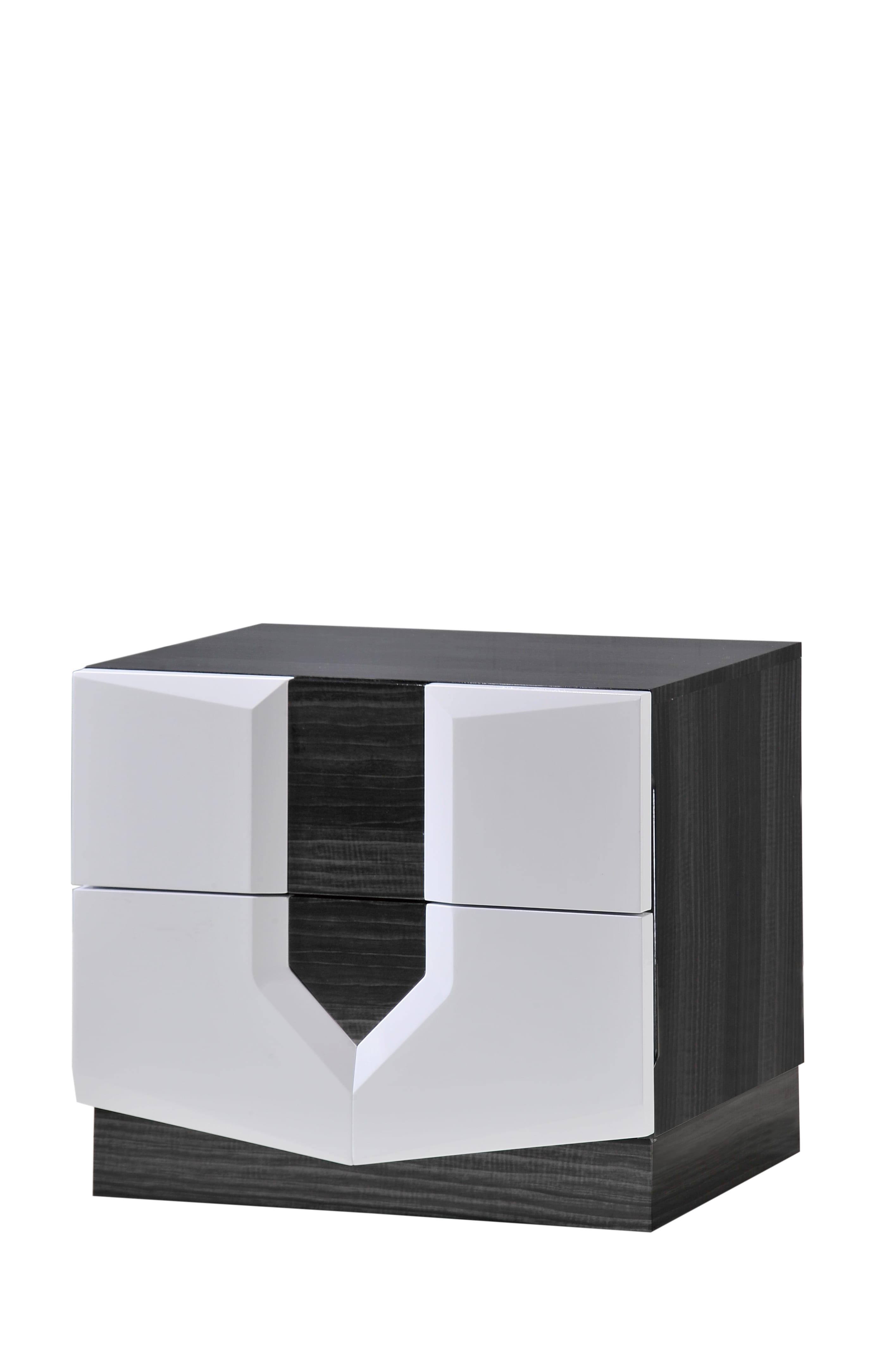 Hudson Zebra Grey & White Glossy Bedroom Set by Global Furniture