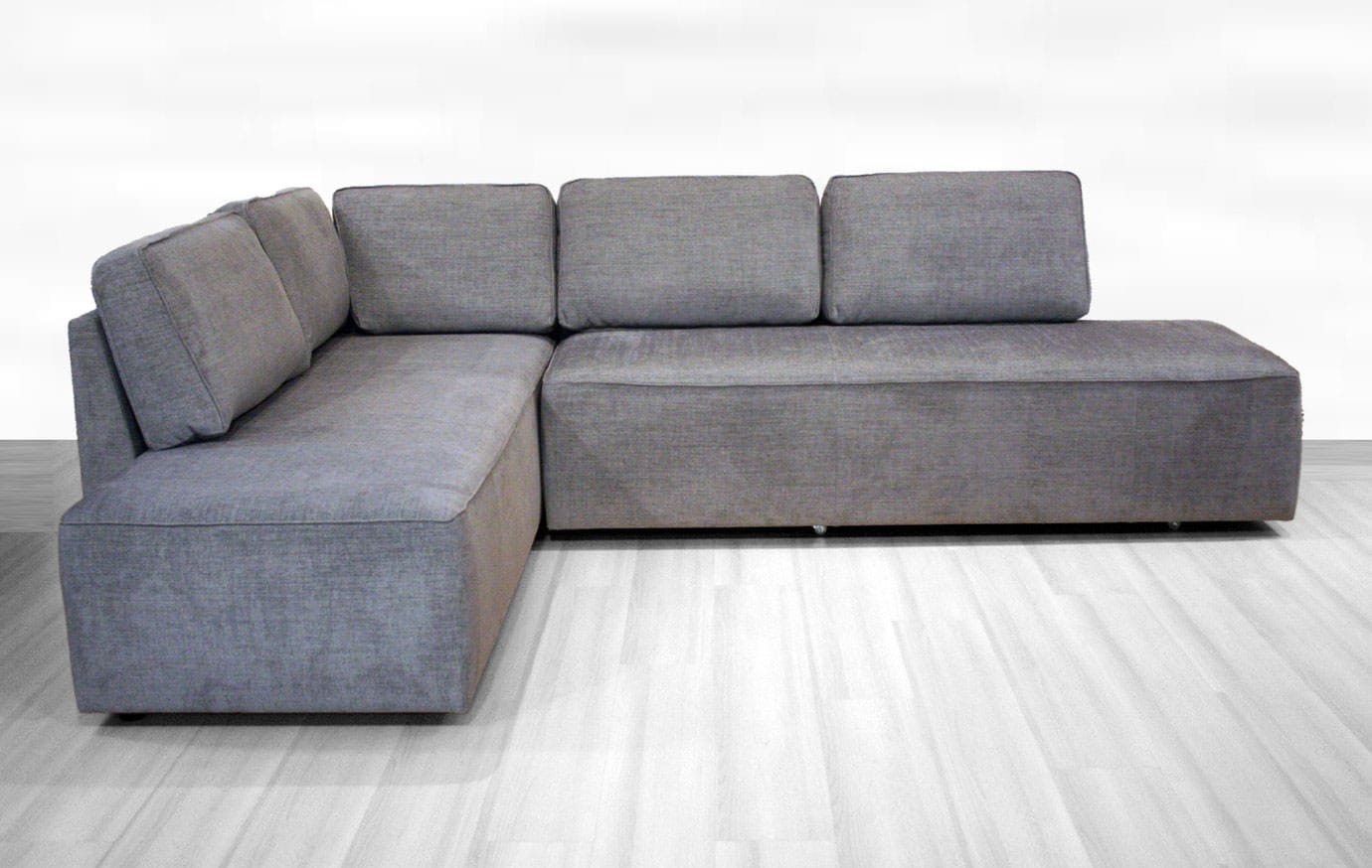 New York Sectional Sofa Sleeper (Queen Size) LHF by Luonto Furniture