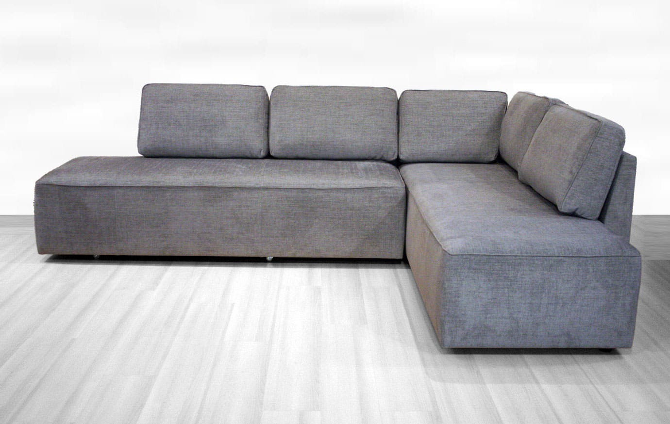 New York Sectional Sofa Sleeper (Queen Size) RHF by Luonto Furniture