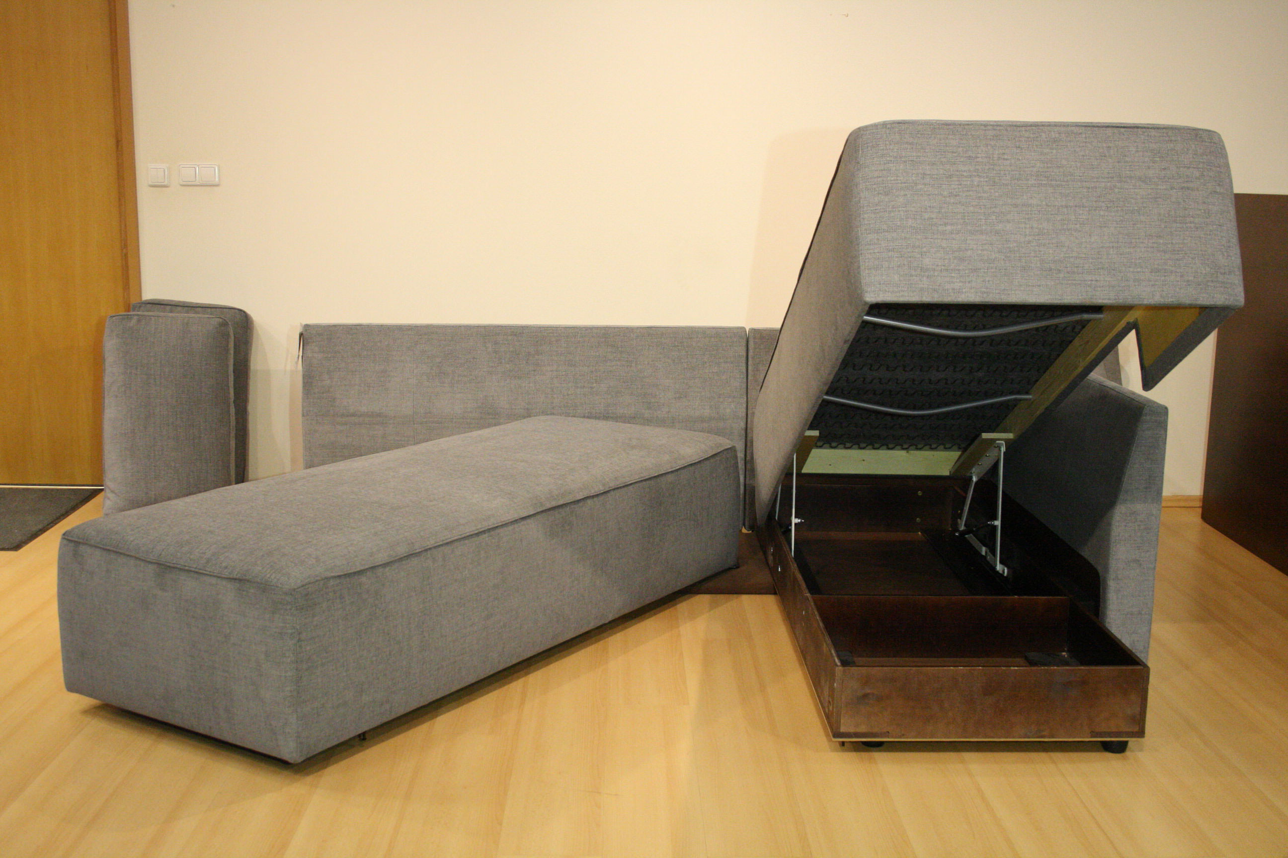 New York Sectional Sofa Sleeper Queen Size Rhf By Luonto Furniture