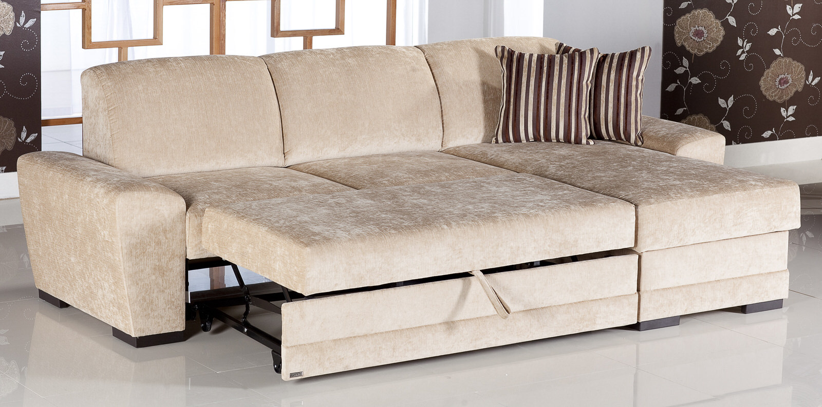 Cross Yuky Cream Sectional Sofa By Sunset