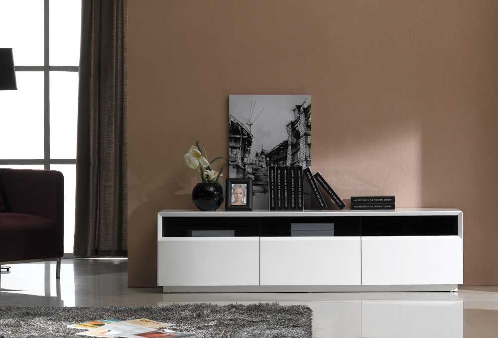 Perfect TV023 White Gloss TV Stand Black by J&M Furniture VE32
